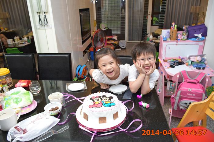 我們的蛋糕~~~